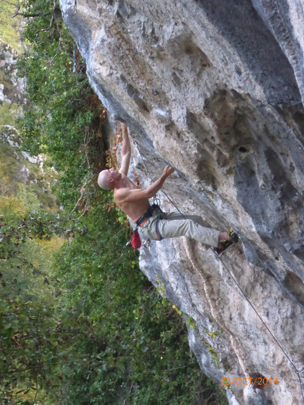 Arturo on Viciosilla, 8a, Sector Diamante