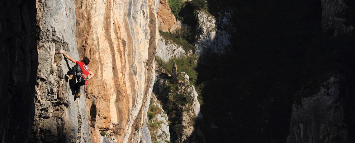 Roca verde las mejores gu as de escalada deportiva de la for Roca de guia